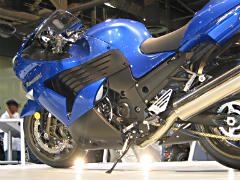 High-performance sportbike as first motorcycle?  Might not end well.