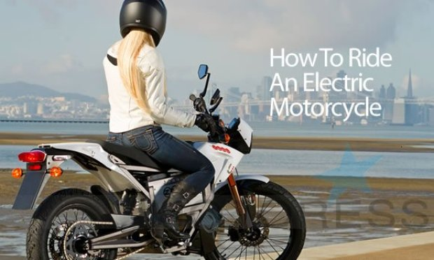 How to Ride an Electric Motorcycle - The Motoress Vicki Gray