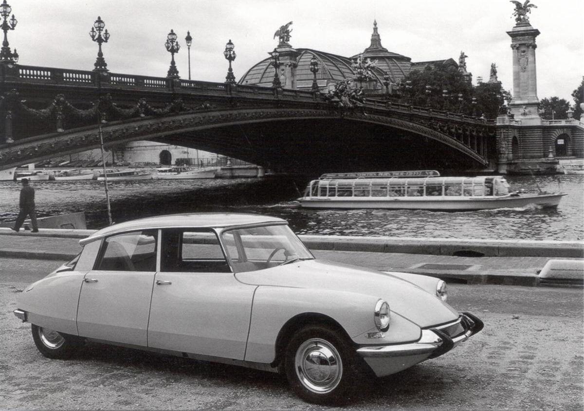 [Imagen: Citroen_DS_www.motorhistoria.com-1.jpg?fit=1200%2C845]