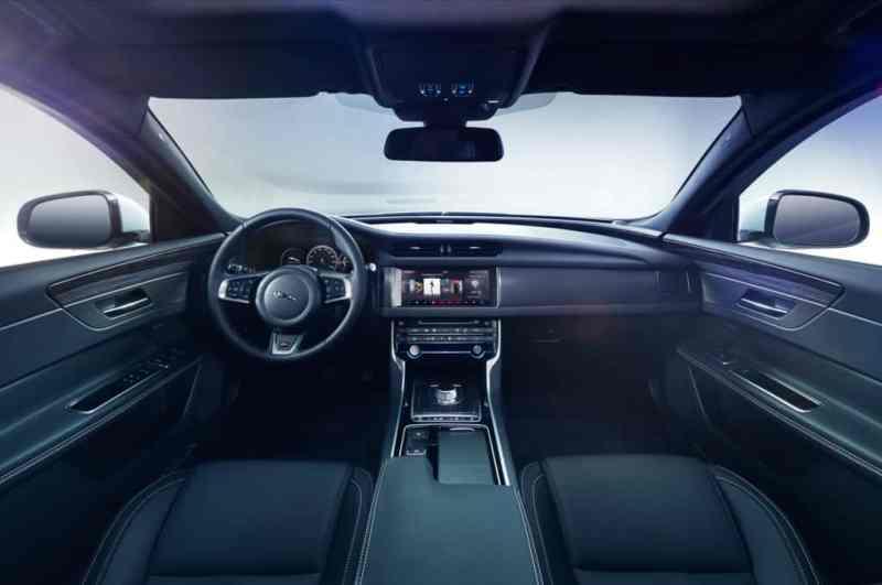 2016-jaguar-xf-s-interior-view