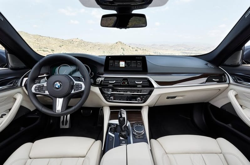 bmw-5-series-2017-interiors