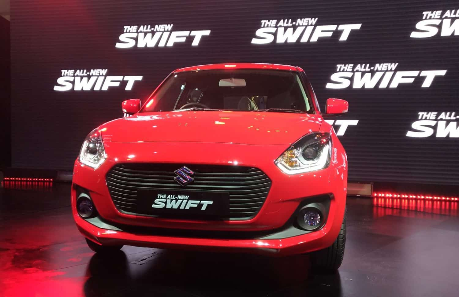 new maruti suzuki swift launched at rs lakh. Black Bedroom Furniture Sets. Home Design Ideas