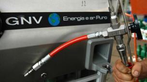 Como economizar dinheiro instalando um kit GNV em uma convertedora de gás