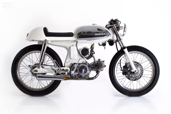 Honda Sport 90 cafe Racer by Deus Ex Machina