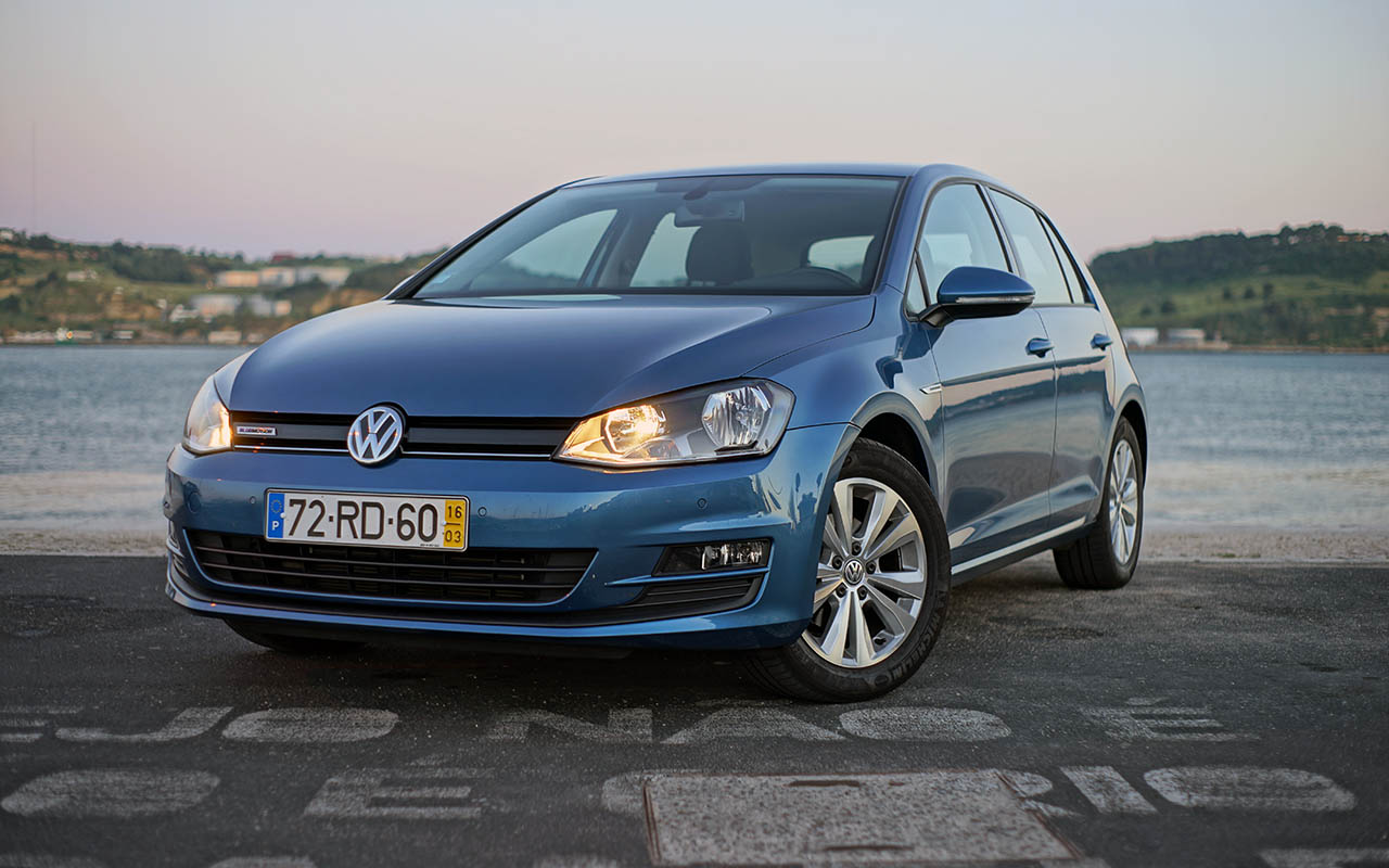 volkswagen golf 1 0 tsi bluemotion gps edition inacredit vel motor. Black Bedroom Furniture Sets. Home Design Ideas