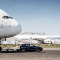 Porsche Cayenne entra no Guiness ao rebocar um Airbus A380