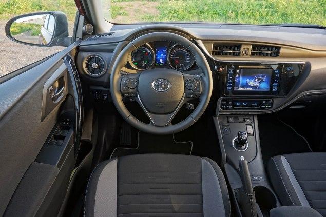 Toyota Auris TS Freestyle_09