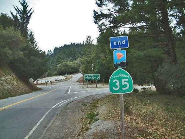 Kreuzung CA 35 im Wald