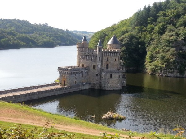 Château de la Roche an der Loire im gleichnamigen Département in Frankreich, aufgenommen bei einer Motorradtour an die obere Loire