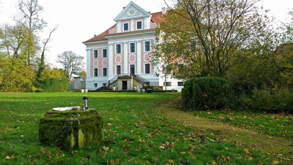Picknick im Schlosspark Gross Rietz in der Niederlausitz