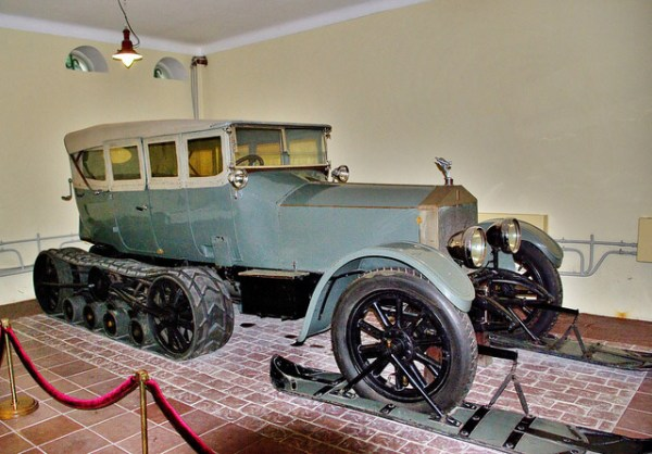 Lenins Rolls Royce Silver Ghost Halbkette, ausgestellt im Museum von Gorki Leninskie südlich von Moskau