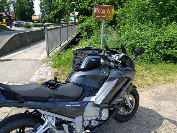 Motorrad Yamaha FJR 1300 am Roten Nil in Lübben (Spreewald)