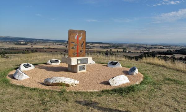 Katharerdenkmal bei St-Félix-Lauragais südöstlich von Toulouse, besucht bei einer Motorradtour Südwestfrankreich Teil 2