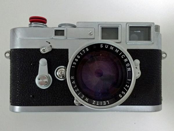 Messucherkamera Leica M3 mit Summicron 2/50 als Teil der Fotoausrüstung für die Motorradtour