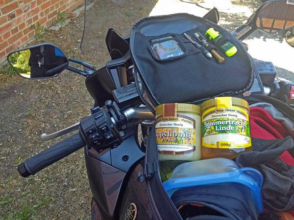 Kulinarische Motorradtouren: Honig im Tankrucksack