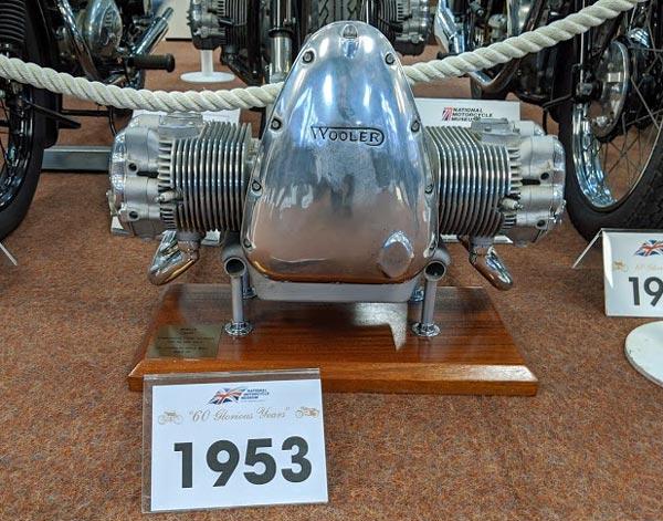 Wooler Vierzylinder-Boxermotor mit Kardanantrieb von 1954