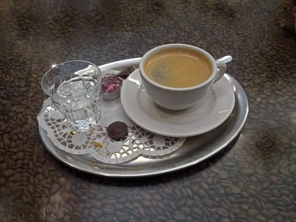 Guter Kaffee auf der Motorradtour: Kaffeeröstereio Boitzenburg