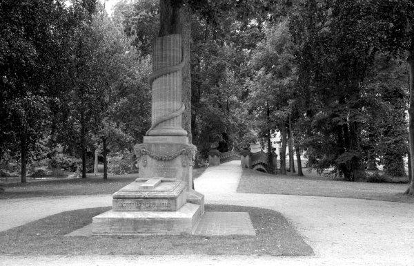 liebesinsel im schlosspark von mirow, mecklenburg-vorpommern