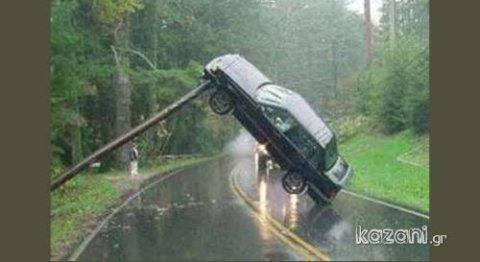 acidentes de carro - fisgado pelo poste