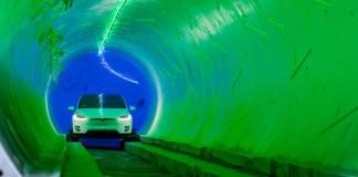 Elon Musk routes souterraines pour les véhicules électriques