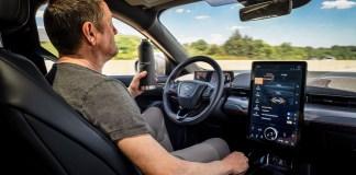La technologie Ford Co-Pilot360MC offre maintenant la conduite mains libres