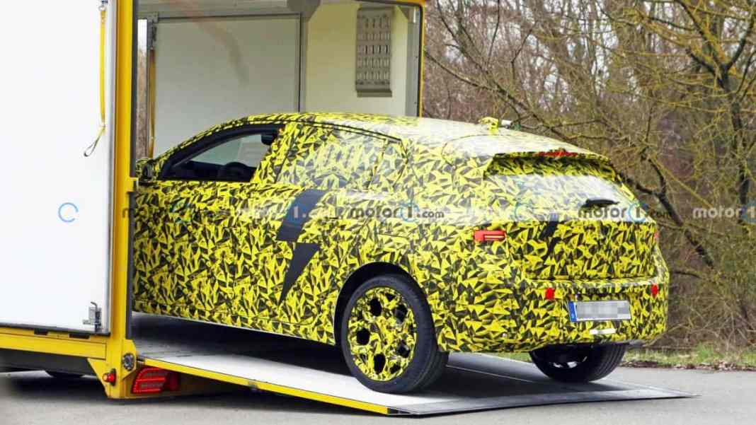 Opel Astra 2022 – crédit photo Motor1