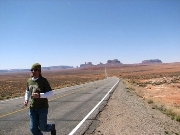 Andrés O'Neill photo Scion xB road trip 05 Monument Valley Utah Forrest Gump