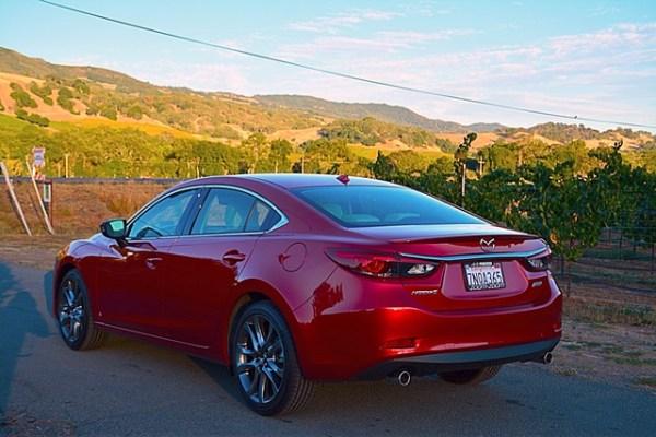 El Mazda6 en uno de los viñedos del famoso valle de Napa.