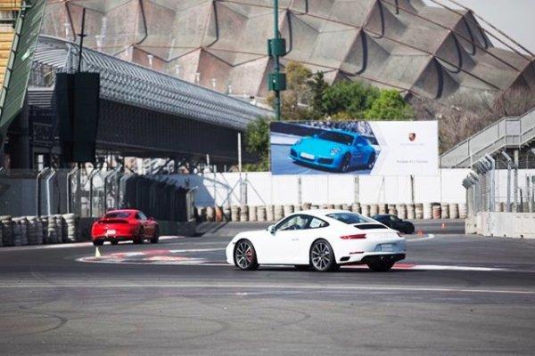 Una serie de curvas muy interesante entre medio de las gradas. Foto: Mauricio Carrera para Porsche
