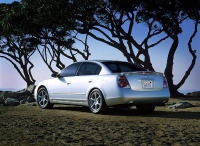 El exitoso modelo de tercera generación del Altima. Aún 14 años después de su lanzamiento, continúa luciendo bien.