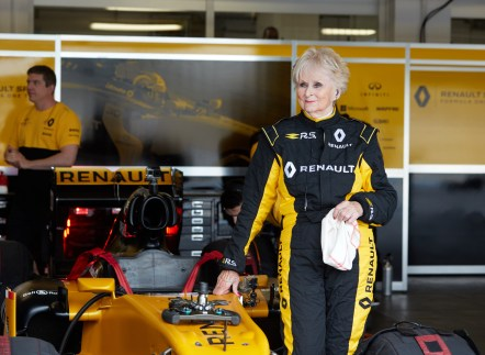 Renault Sport Rosemary Smith F1 (4)