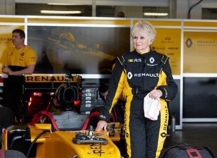 Renault Sport Rosemary Smith F1 (4)