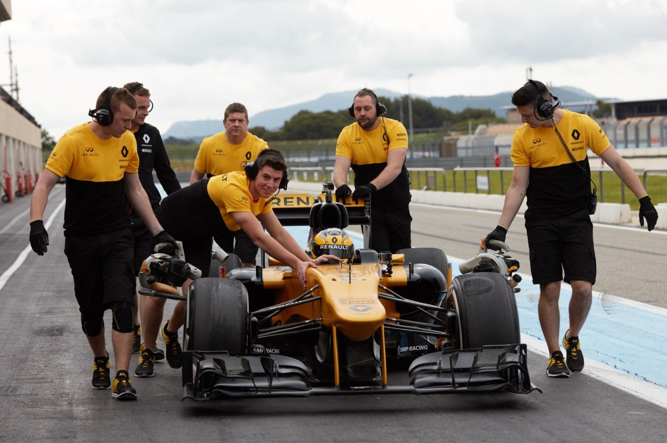 Renault Sport Rosemary Smith F1 (5)