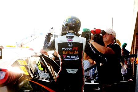 Gordon Shedden (GBR) Halfords Yuasa Racing Honda Civic Type R