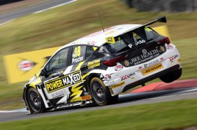 Senna Proctor (GBR) Power Maxed Racing Vauxhall Astra