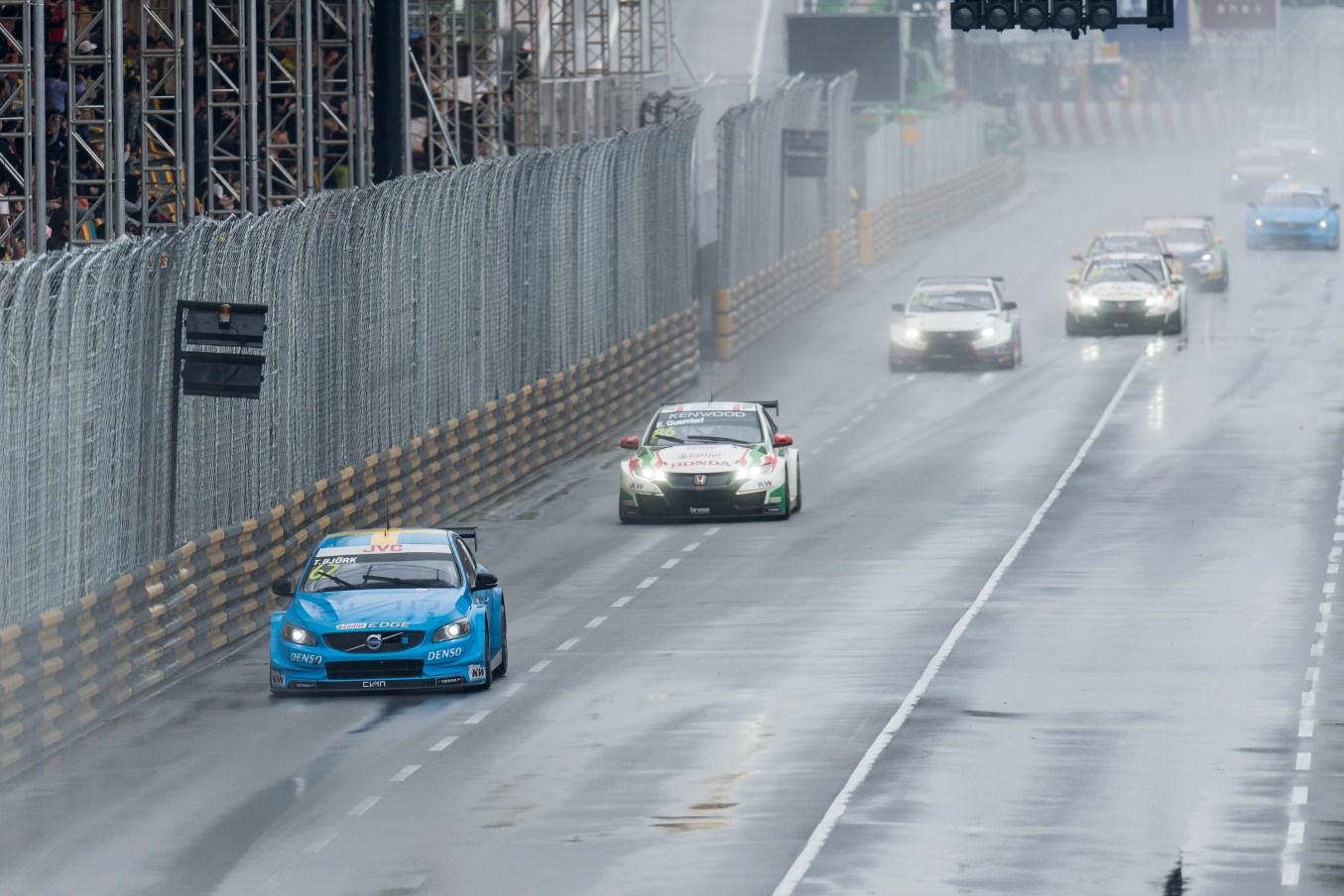 171119 WTCC in Macau with Polestar Cyan Racing. Race 2.