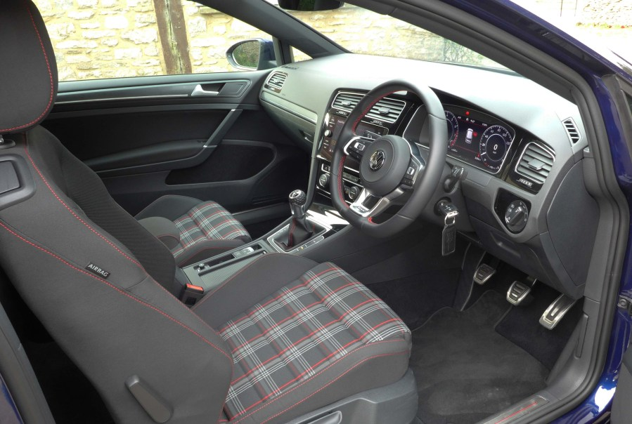 VW Golf GTi Performance c