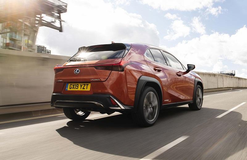Lexus UX b