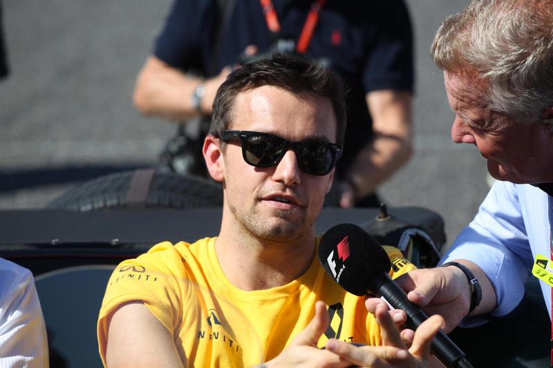 F1 Notizie, Jolyon Palmer legge sotto un'altra ottica il secondo posto di Sebastian Vettel
