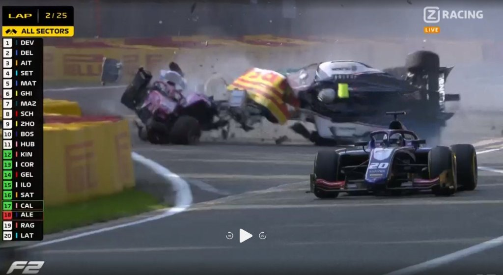 f2 foto video incidente gp belgio crash
