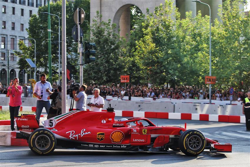 Ferrari a milano festa 90 anni programma lista piloti auto
