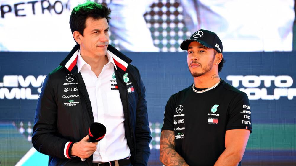 F1 Gp Italia - Toto Wolff e Lewis Hamilton commentano la velocità Ferrari