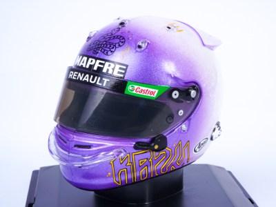 modellino casco f1 ricciardo tributo kobe bryant scala 1:5 edicola