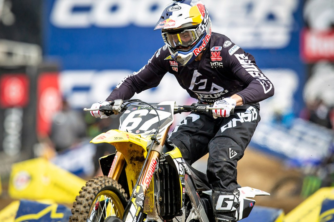 Enzo Lopes (#67) had excellent starts in his heat race and the LCQ - Oakland Supercross