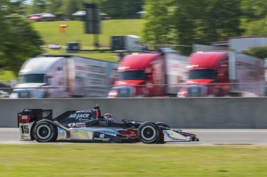 Graham Rahal (15) comes shooting off turn 17 onto the front stretch during the Honda Grand Prix of Alabama at Barber Motorsports Park, , Sunday, April 24, 2016, in Birmingham, Alabama. (Matthew Bishop)