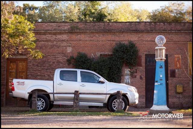2013-05-16 TEST Toyota Hilux SRV 4x4 AT 009