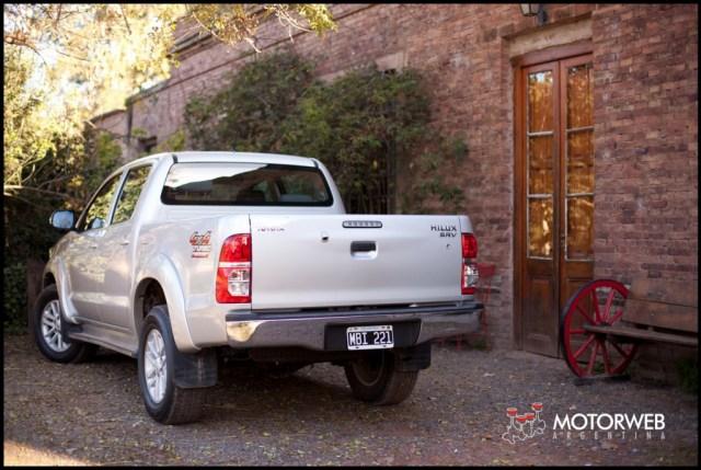 2013-05-16 TEST Toyota Hilux SRV 4x4 AT 013