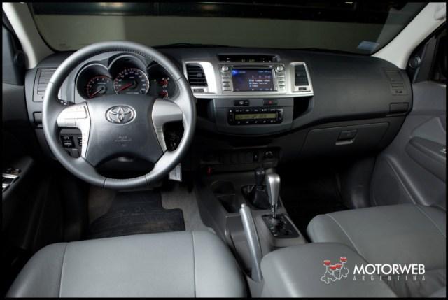 2013-05-16 TEST Toyota Hilux SRV 4x4 AT 041
