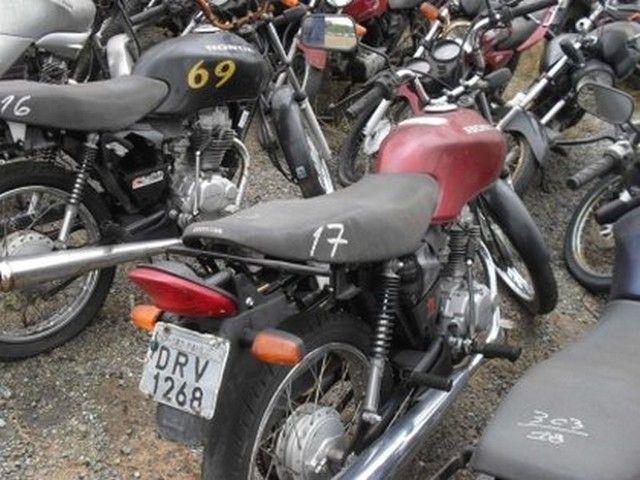 Honda CG 125 Fan 2005 com lance inicial de R$72,13