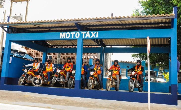 O que é moto táxi e como funciona no Brasil - Motos de Leilão